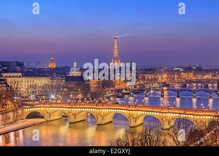 France Paris banks of Seine river listed as World Heritage by UNESCO with Pont Neuf left bank Eiffel Tower (⌐ SETE - Stock Photo
