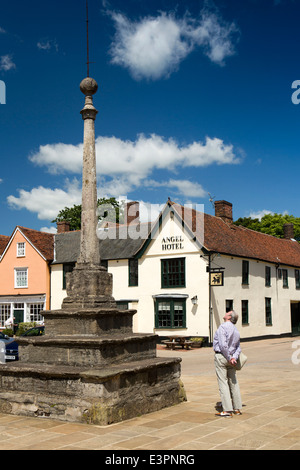 UK England, Suffolk, Lavenham, Market Square, cross and Marco Pierre White's Angel Hotel - Stock Photo