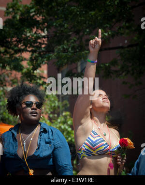 Manhattan, New York, USA. 29th June, 2014. Netflix series ''Orange Is The New Black'' cast members DANIELLE BROOKS - Stockfoto