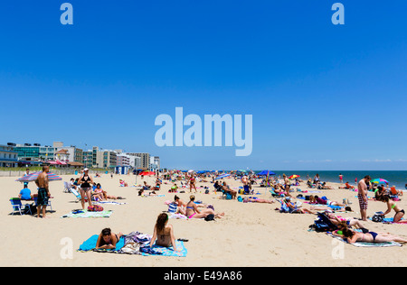 Crowded beach in the coast of the city of barcelona spain - Public swimming pools in rehoboth beach ...