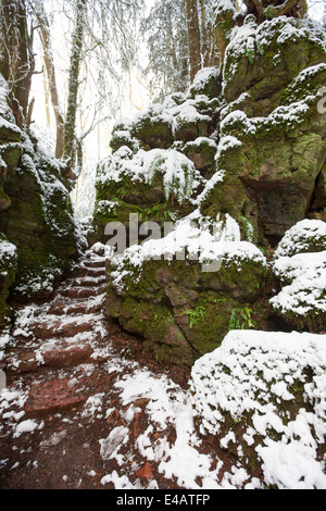 dating forest of dean St briavels stands on the eastern fringe of the forest of dean legend, myth and arcane customs hang thickly about this ancient slice of forest, where glouceste.