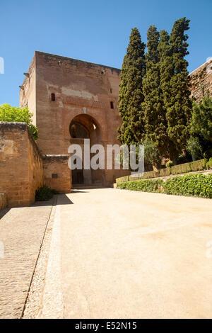 Granada spain old city gate in evening sun granada for Entrance to rivet city