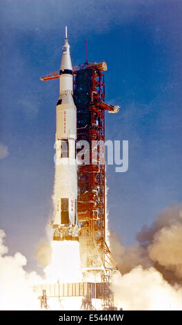 The 363-feet tall Saturn V rocket launches on the Apollo 11 mission from Pad A, Launch Complex 39, Kennedy Space - Stock Photo
