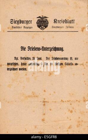 1919 Siegburger Kreisblatt front page reporting Versaille Treaty headline The Peace Signing - Stock Photo