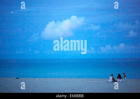 Tourist attraction beach hut on South beach in Miami - Stockfoto