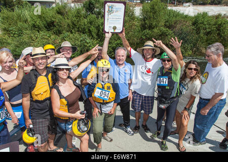 LA, CA, USA. 30th Aug, 2014. Los Angeles City Council member Tom LaBonge and Ed Begley Jr. and others hold up certificate - Stock Photo