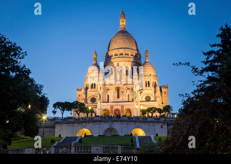 Twilight over Basilique du Sacre Coeur, Montmartre, Paris, France - Stock Photo