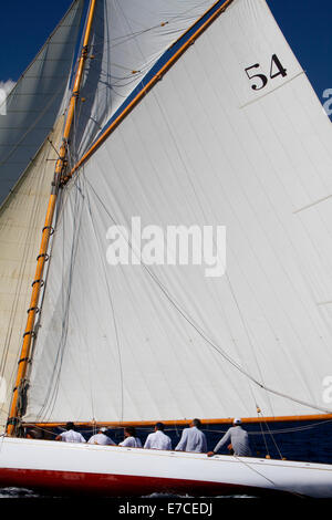 Imperia, Italy. 13th September 2014. Crew members sailing a yacht during Vele d'Epoca classic yachts regatta, a - Stockfoto