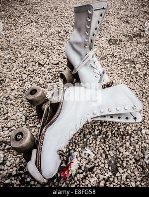 USA, Virginia, Loudoun County, Leesburg, Old roller skates, close-up - Stockfoto