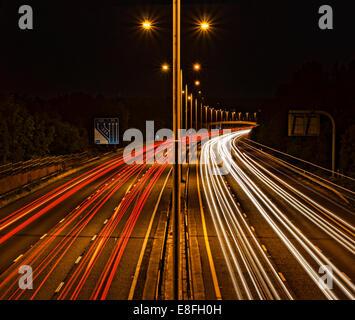 Light trails on motorway - Stockfoto