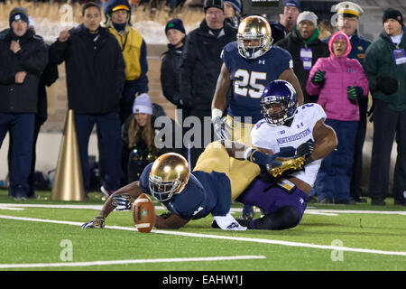 South Bend, Indiana, USA. 15th Nov, 2014. Notre Dame WR CHRIS BROWN (2) fumbles the football at the 1-yard line - Stock Photo