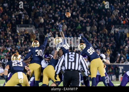 South Bend, Indiana, USA. 15th Nov, 2014. A 46-yard Northwestern field goal clears the line during the fourth quarter - Stock Photo