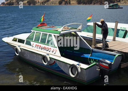 A Motor Boat On Lake Titicaca Takes Tourists From Puno 39 S