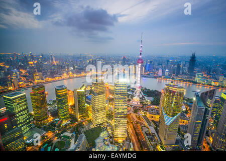 Shanghai, China city skyline viewed from above the Pudong Financial District. - Stockfoto