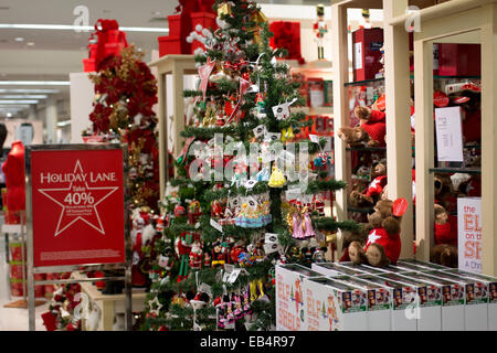 broadway tea rooms christmas tree shop display window at - Christmas Tree Shop Florida
