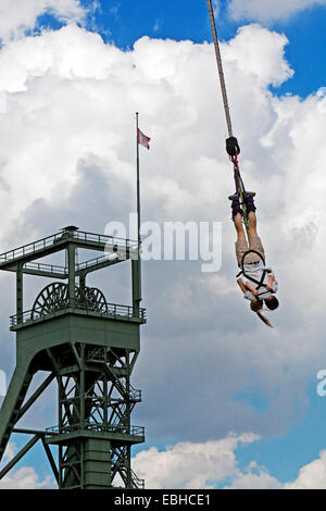 bungee jumping from sky tower auckland new zealand stock photo royalty free image 60578323. Black Bedroom Furniture Sets. Home Design Ideas