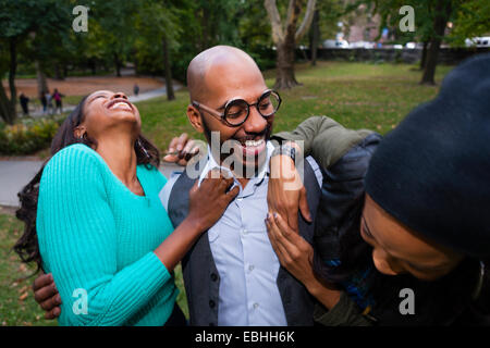 Friends laughing - Stockfoto