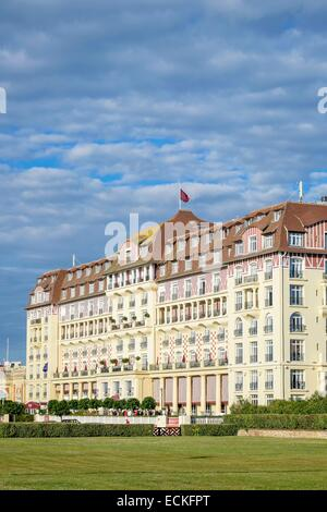France calvados pays d 39 auge deauville the beach and for Luxury hotel group