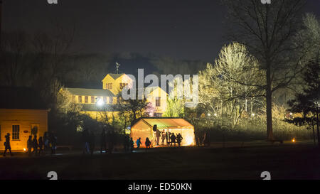 Old Bethpage, New York, USA. 26th Dec, 2014. At night, the historic, sweeping rustic grounds of Old Bethpage Village - Stock Photo
