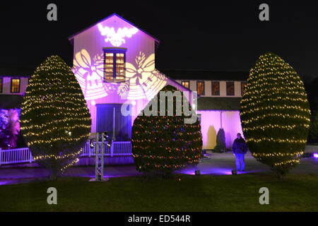 Old Bethpage, New York, USA. December 26, 2014. At night, the big Barn on the historic, rustic grounds of Old Bethpage - Stock Photo