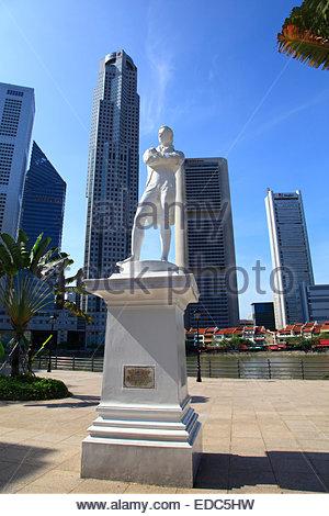 Statue of Sit Stamford Raffles - Stock Photo