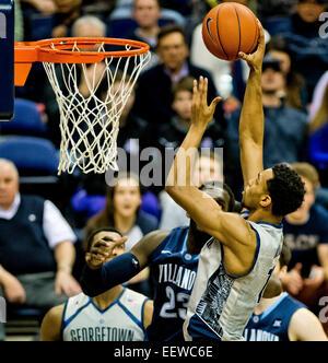 Washington, DC, USA. 19th Jan, 2015. January 19, 2015: Georgetown freshman forward Isaac Copeland (11) takes a shot - Stock Photo