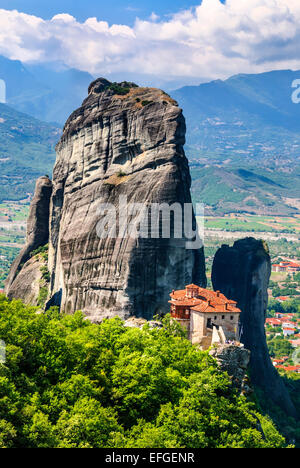 an introduction to meteora the rock formation in central greece 28 meteora, greece  meteora is an area in thessaly (central greece) and kalampaka is the city underthe rock towers of meteora.
