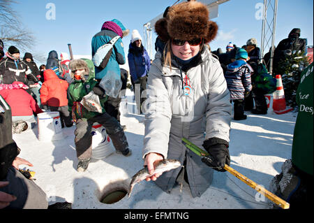 Ice fishing quebec winter carnival quebec city quebec for Ice fishing expo