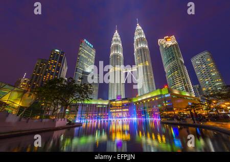 Petronas Towers, Kuala Lumpur, Malaysia, Southeast Asia, Asia - Stock Photo