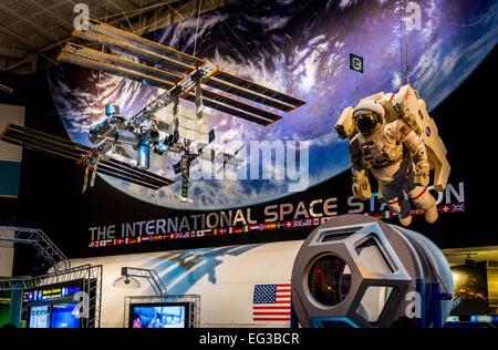 Usa houston texas johnson space center rocket park saturn for Space station usa