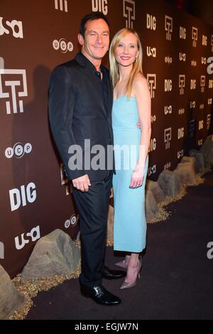 New York, NY, USA. 25th Feb, 2015. Jason Isaacs, Anne Heche at arrivals for DIG Series Premiere on USA Network, - Stock Photo