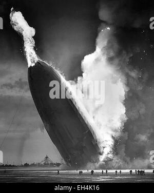 HINDENBURG DISASTER  The German passenger airship LZ129 catches fire during an attempt to dock with it's mooring - Stock Photo