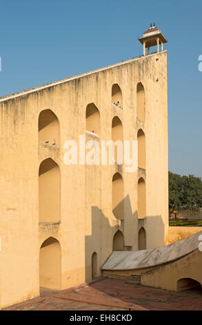 Giant Sundial (Samrat Yantra) at Jantar Mantar Observatory, Jaipur, Rajasthan, India - Stockfoto