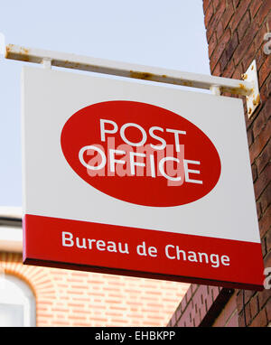 Post office bureau de change sign uk stock photo royalty for Bureau exchange