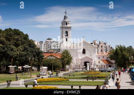 Argentina buenos aires recoleta plaza francia itau for Mueblerias en capital federal buenos aires