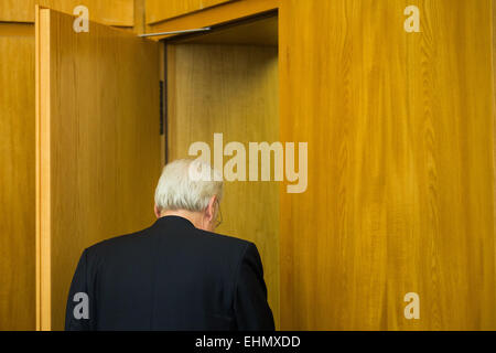 Essen, Germany. 16th Mar, 2015. German art consultant Helge Achenbach leaves the court room at the regional court - Stock Photo