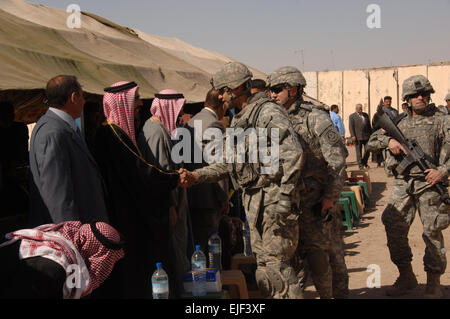 Fifth Fourth Of July For Us In Iraq >> U.S. Army Lt. Col. John W. Haefner, Fort A.P. Hill commander, his son Stock Photo: 129498773 - Alamy