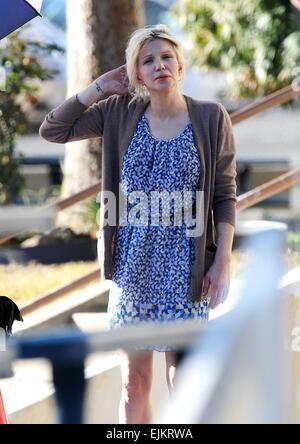 Courtney Love gesichtet Dreharbeiten einer der letzten Episoden der hit-Show 'Sons Of Anarchy' mit co-Star Katey - Stockfoto