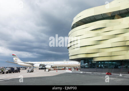 paris charles de gaulle airport terminal 2e france terminal stock photo 67083975 alamy. Black Bedroom Furniture Sets. Home Design Ideas