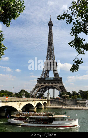 bateau mouche on the seine river french flag and louvre museum stock photo royalty free image. Black Bedroom Furniture Sets. Home Design Ideas