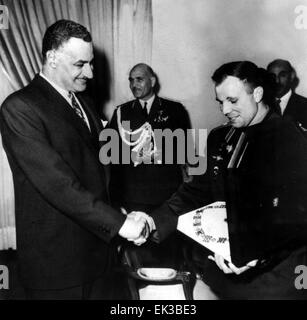 Soviet cosmonaut Yuri Gagarin visiting Egypt. Egyptian President Gamal Abdel Nasser presenting Yuri Gagarin with - Stock Photo