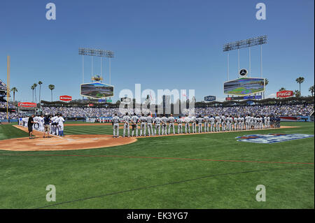 Los Angeles, CA, USA. 6th Apr, 2015. The Los Angeles Dodgers and the San Diego Padres on the field during the National - Stock Photo