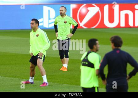 Paris, France. 14th Apr, 2015. Barcelona football team practise before their quarter-final 1st leg versus Paris - Stock Photo