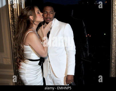 27.APRIL.2012. PARIS  MARIAH CAREY AND HER HUSBAND NICK CANNON POSE FOR PHOTOGRAPHERS DURING A PHOTOCALL AT THE - Stock Photo