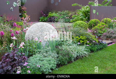 Rhs malvern spring show 2014 shears and chardonay for Pip probert garden designer