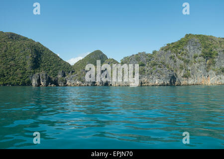 Tropical coastline in the philippines - Stockfoto