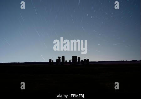 Great Britain, England, Wiltshire, Stonehenge at night - Stock Photo
