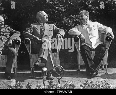 YALTA CONFERENCE February 1945. From left: Winston Churchill, Franklin D Roosevelt, Joseph Stalin - Stock Photo