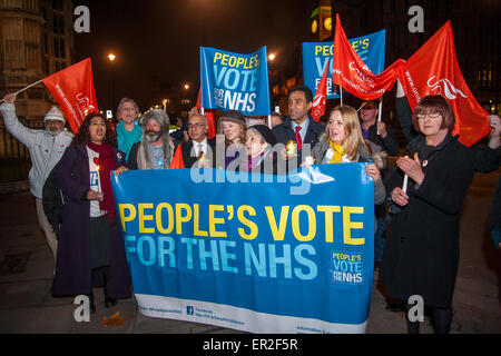 National Health Service staff and campaigners take part in a sleepout vigil in support of Clive Efford's bill to - Stock Photo