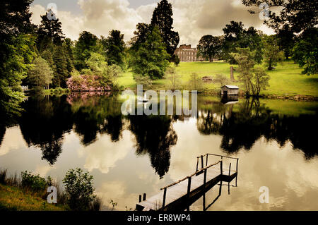 Tranquil scene at stobo fishing lake stobo castle health for Stobo water gardens